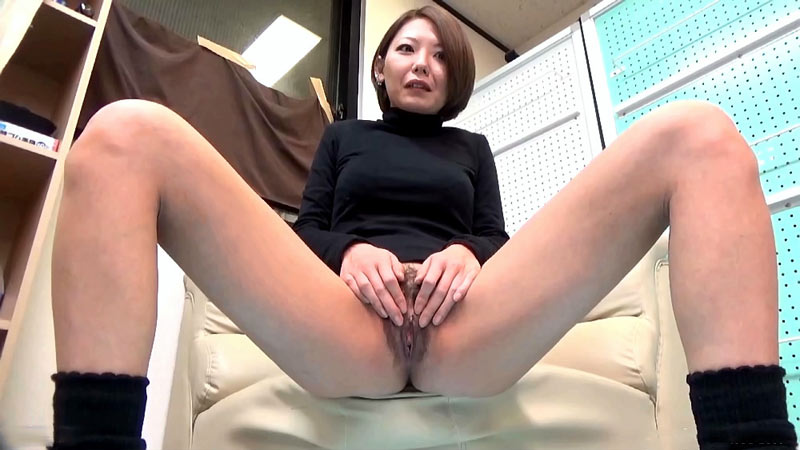Pissing videos and galleries -  FIRST ME, THEN YOU PEE